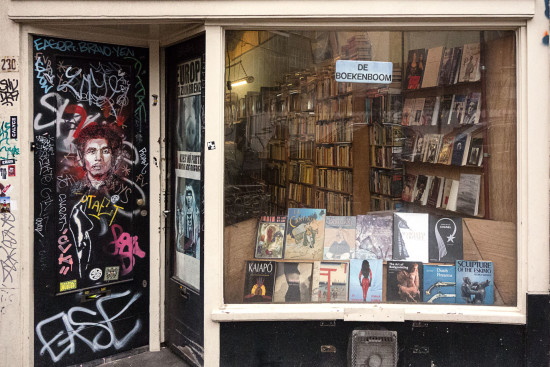 DSC00238-web-(Amsterdam,-boekenboom Spuistraat 230)