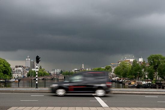 _DSC5949-web-(donkere-wolken-boven-Amsterdam)