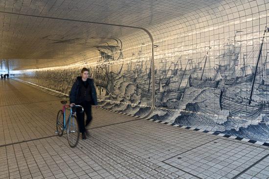 _DSC0006-Tunnel-onder-spoor-bij-Amsterdam-CS-2017